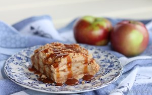 Caramel Apple Crumble Squares |© Urban Cottage Life.com