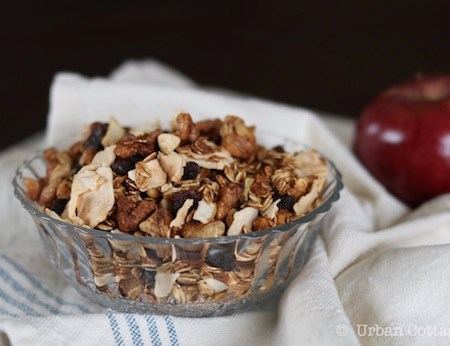 Triple Apple Granola | © UrbanCottageLife.com 2016
