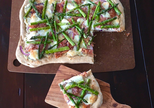 Asparagus & Prosciutto Pizza | © UrbanCottageLife.com