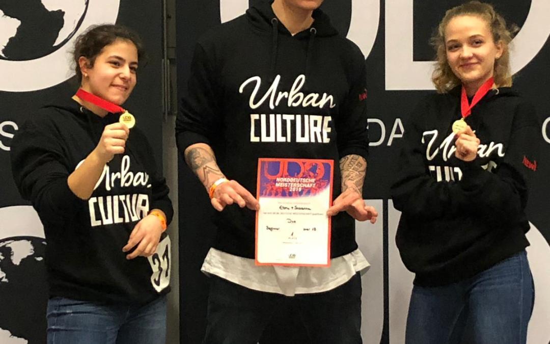 Urban Culture Tänzerinnen auf dem 1. Platz bei der norddeutschen UDO Streetdance Meisterschaft