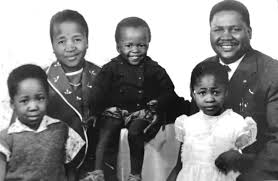 Dr Nkomo and MaFuyana photographed with their sons, Thuthani and Sibangilizwe