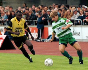 Adam Ndlovu in action - copyright Le Quotidien Jurassien
