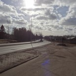 The road running between Ring Road I and the Kontula & Mellunmäki Metro stations could have enormous potential as a local main street. Just a little road thinning needed here.