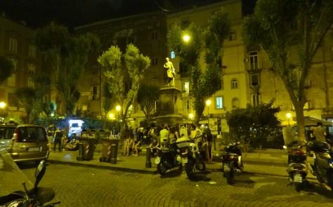 Piazza Bellini 2
