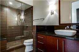 2nd bath in unit 1721
