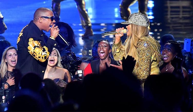 Ja Rule and Jennifer Lopez Perform at MTV VMAs (Credit: MTV.com)