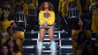Beyonce Peforms at Coachella (Credit: Coachella)
