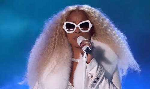 Mary J. Blige 2019 BET Awards (Credit: YouTube/BET Networks)