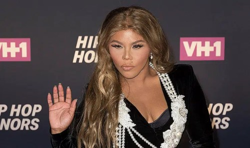 Lil Kim at arrivals for VH1 Hip Hop Honors: All Hail The Queens, David Geffen Hall at Lincoln Center, New York, NY July 11, 2016. Photo By: Lev Radin/Everett Collection