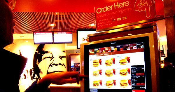 Kiosks Screen Orders Neowin Replace Cashiers 7000 Touch Mcdonalds