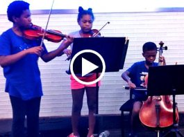 This Trio of Young, Talented Siblings Play Classical Music in Subway to Raise Money for Homeless (VIDEO)