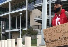 New York Jets Give Contract to Joe Anderson, Who Held a Sign Outside Texans Stadium Hoping to Get a Chance in the NFL