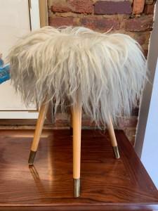 Vintage stool with flotaki wool seat