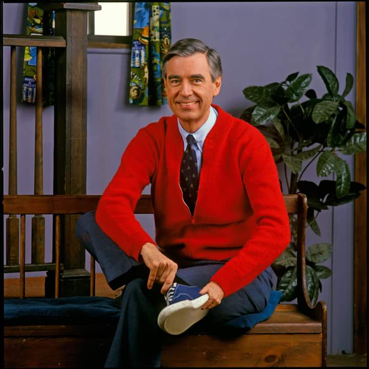 The Reason Why Mr Rogers Wore A Sweater Urbanlegendsonline Com