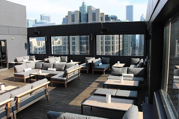 Rooftop Season Isn T Over Yet 12 Chicago Rooftops Bars To