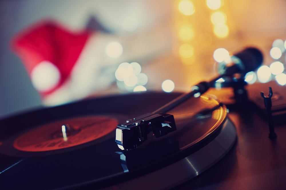 christmas music returns to the radio tomorrow - When Does Christmas Music Start Playing On The Radio
