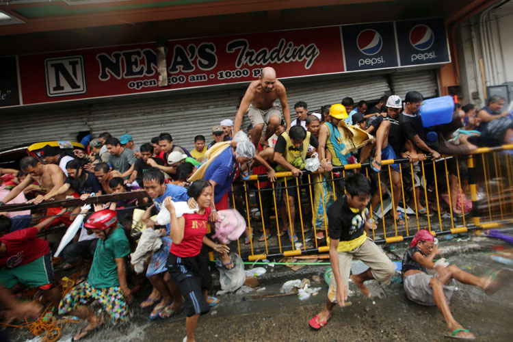 typhoon-yolanda-looting