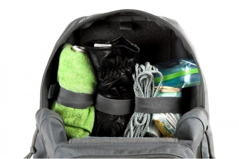 Large-Accessory-Loop-Dapper-Vecro-Attachment-Organizer-Paracord-first-aid-bag-and-cleaning-rag-600x400