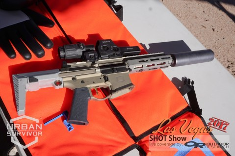20170116-shotshow2017_q_honey_badger_pdw-1