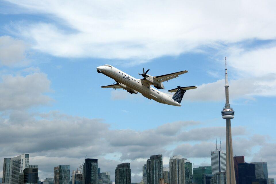 Photo of the Day TakeOff  Urban Toronto