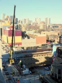 Development Temporarily Turns Dundas Street