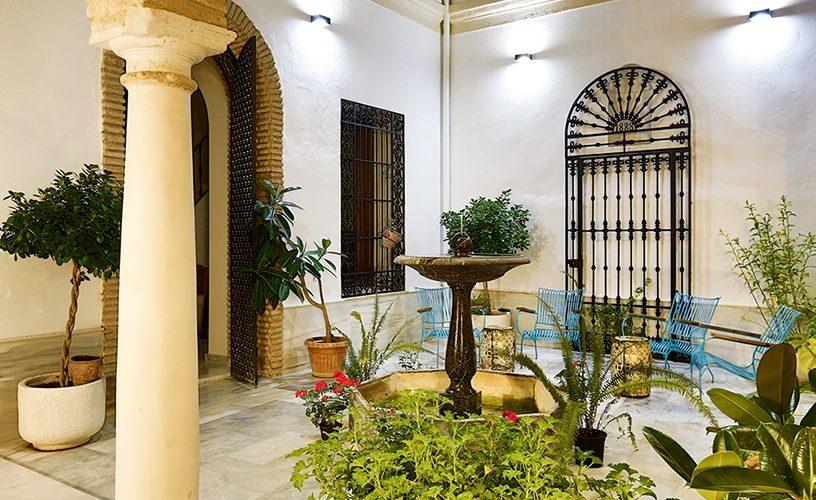 Patio apartamentos Urban Vida Córdoba