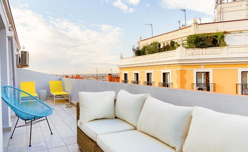 Terraza en atico con terraza UrbanVida La Latina4