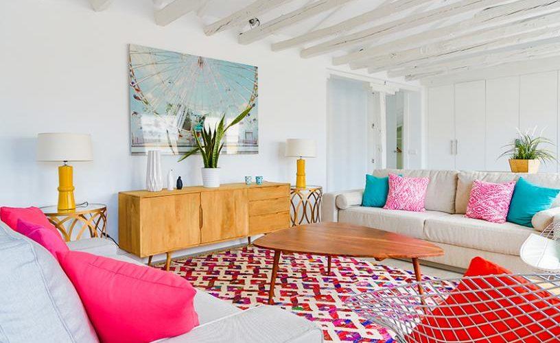 Salon en atico con terraza UrbanVida La Latina4