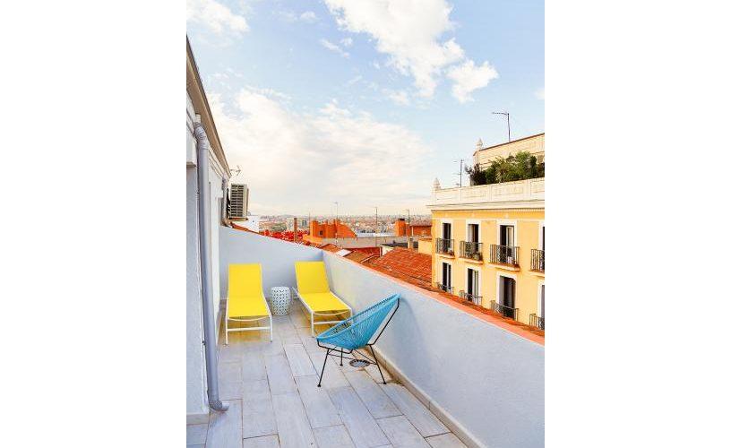 Terraza en atico con terraza UrbanVida La Latina2