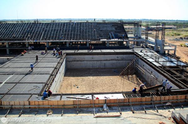 Stadium-Swimming-Pool-3