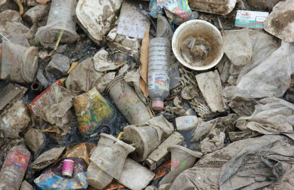 Littering in Eateries: A Dysfunctional Habit among the Phnom Penh Dwellers
