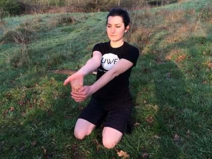 Alexandra-Merisoiu-Flexibility-Exercise (2)