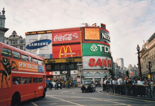Picadilly Circus im Jahr 2000