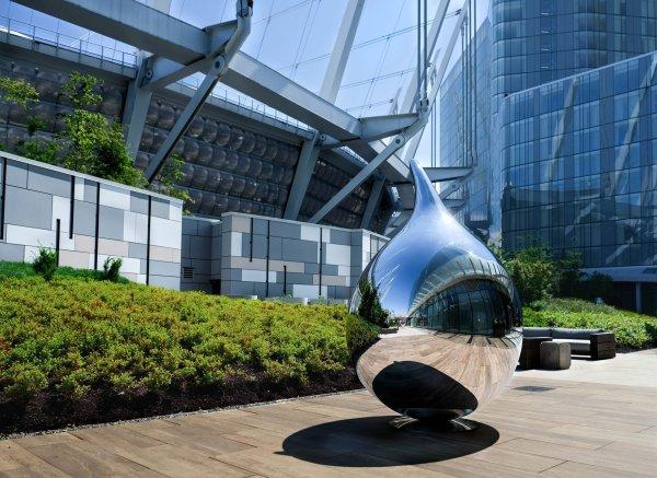 Mirrored Steel Sculptures Richard Hudson Display