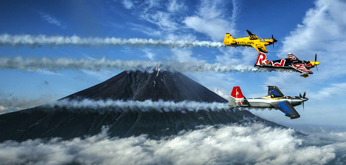 Red Bull Air Race; Oilotos vuelan junto al monte Fuji