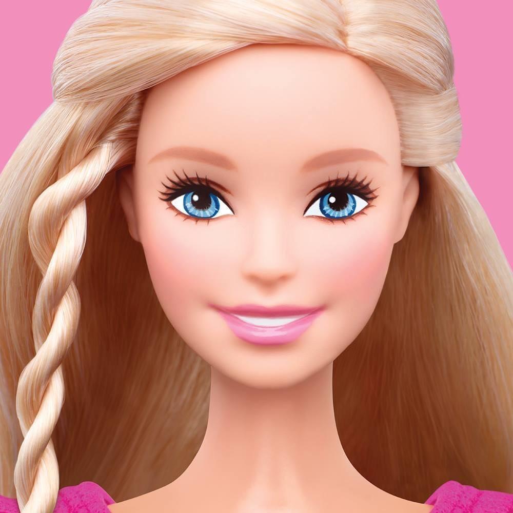 Barbie estrena Fan Page para Latinoamérica
