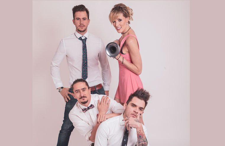 Jenny and The Mexicats celebran a Selena