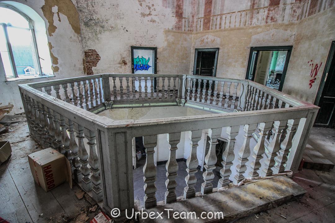 Chateau De Viane 12