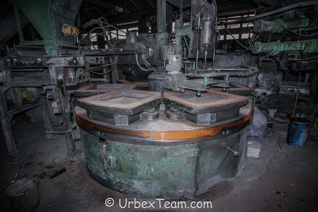 Factory B 10
