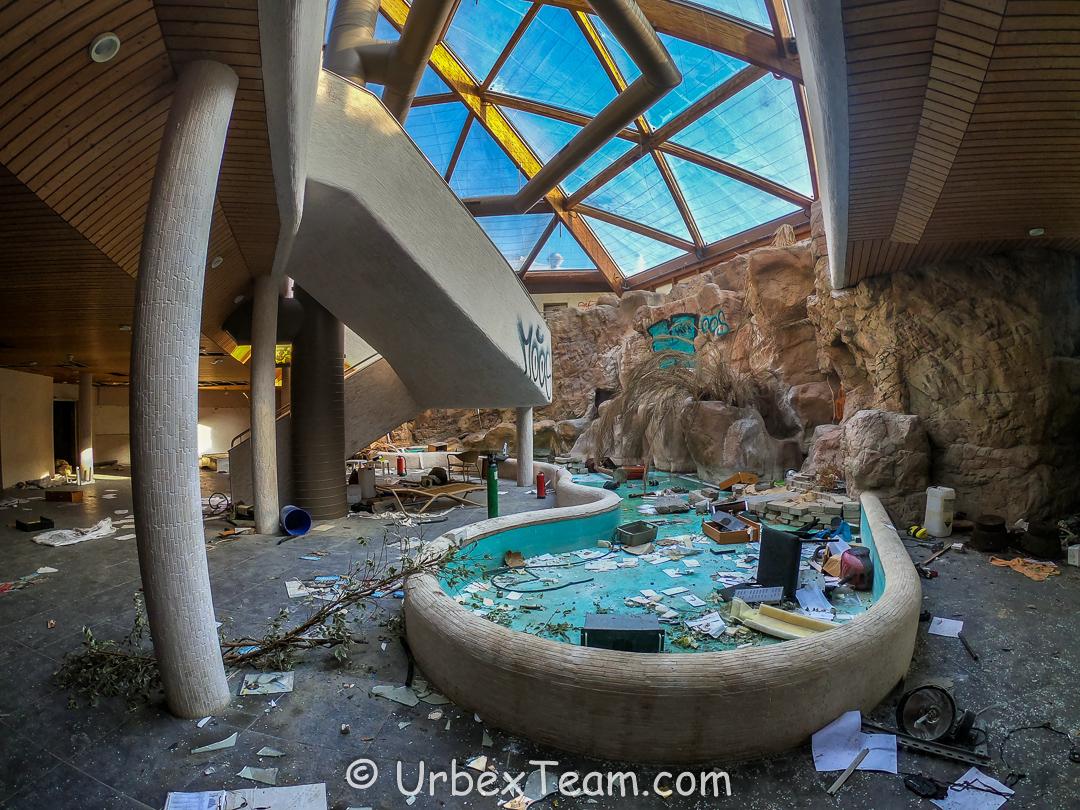 Subtropical Swimming Pool 7