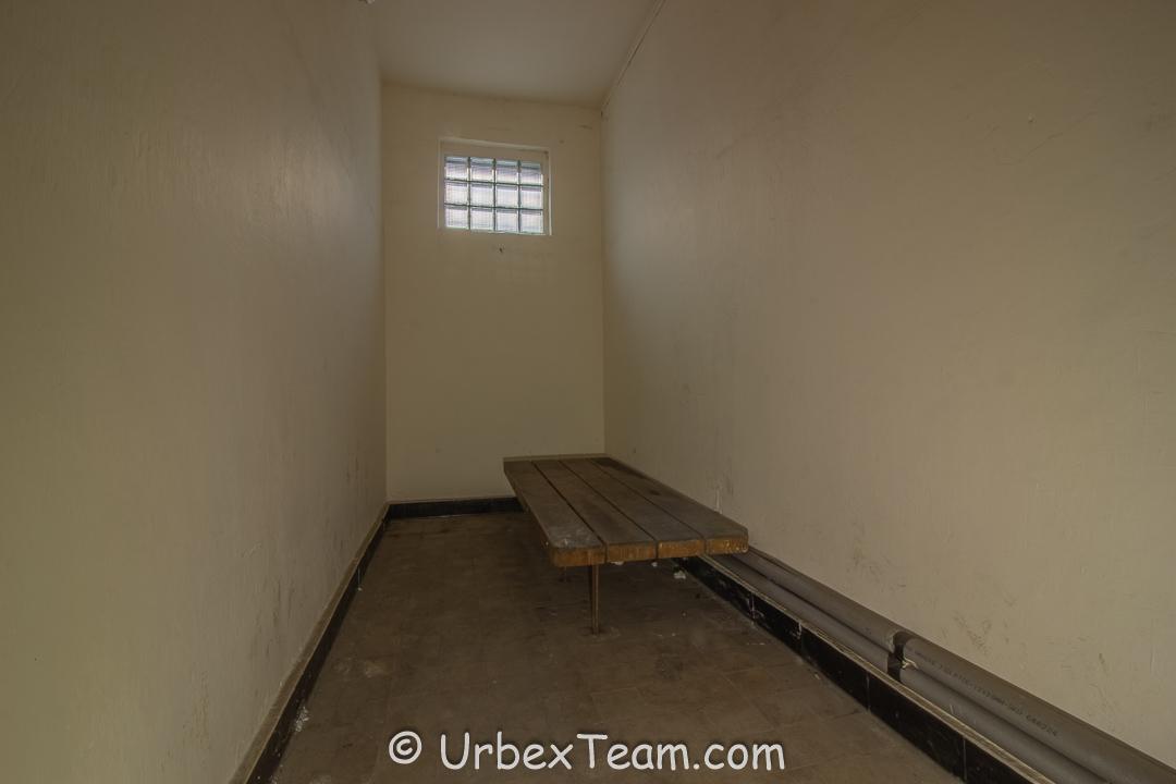 Prison H7 11