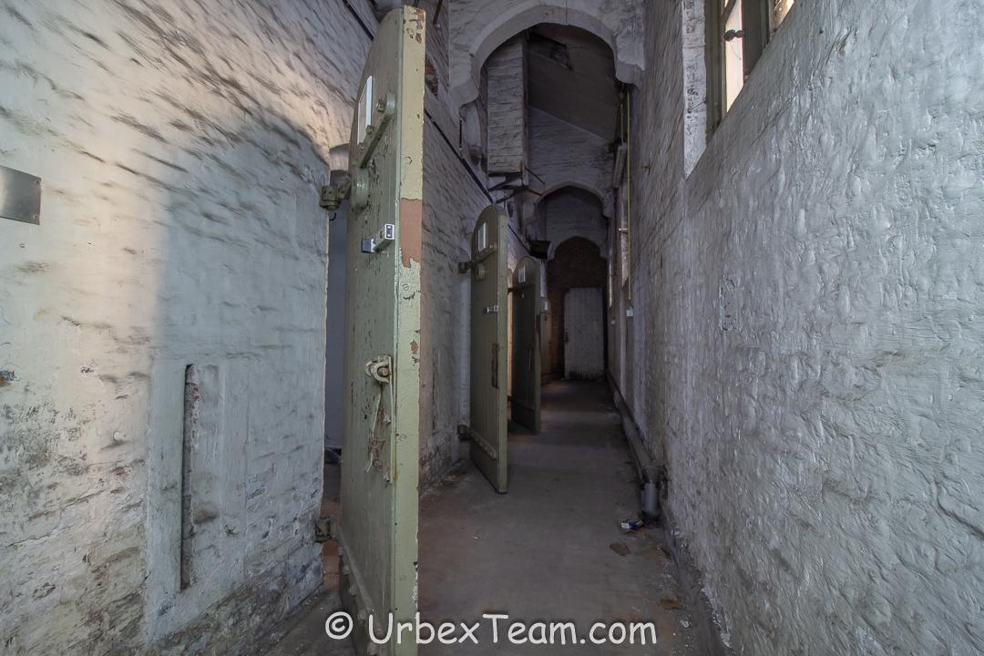 Prison H7 12