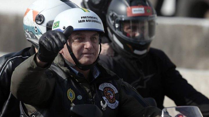 Bolsonaro é multado por não usar máscara em São Paulo