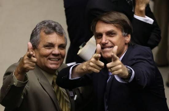 Alberto Fraga se afasta do amigo Bolsonaro após esposa morrer por Covid