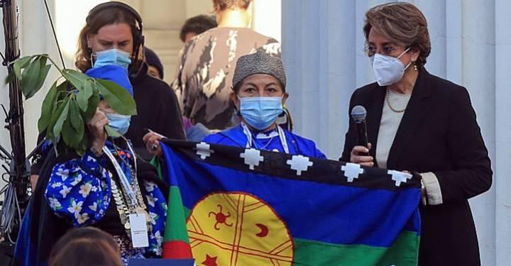 Mulher indígena presidirá convenção que reescreverá a nova Constituição do Chile