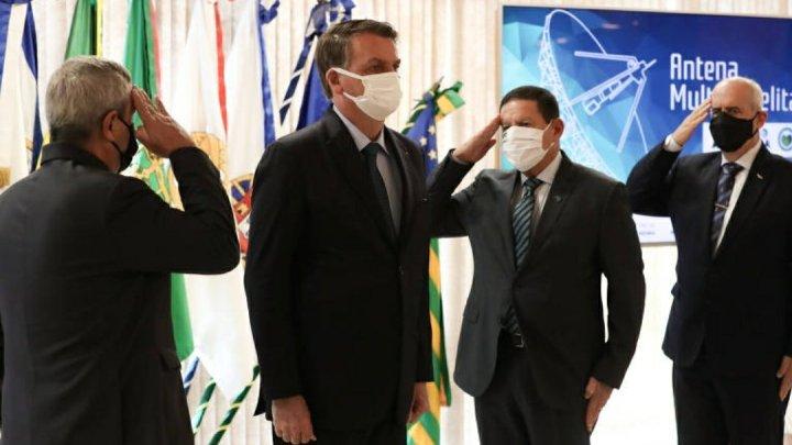 Desfile de Bolsonaro é tentativa de gerar temor, dizem partidos de esquerda e centro-direita