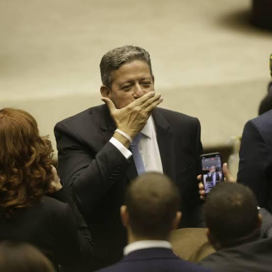"""Presidente da Câmara sinaliza que vai """"abrir a gaveta"""""""