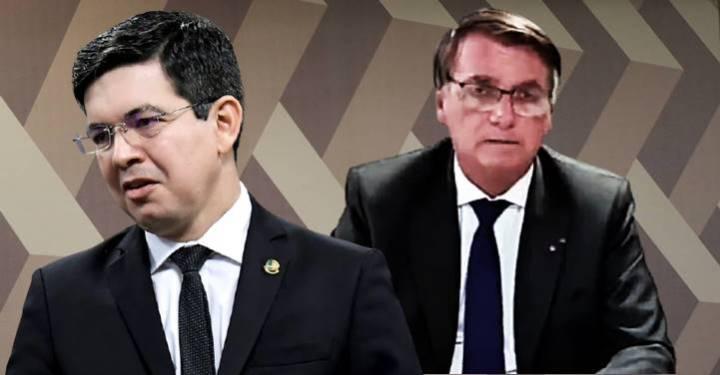 """Em sua live, Bolsonaro descobriu que o dólar está alto devido à """"política desatrosa"""" de seu próprio governo"""