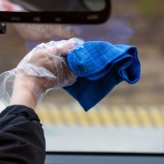 How to Clean Car Windshield