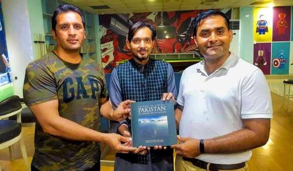Colours of Vibrant Pakistan - Kamran Saleem, Adnan Malik, Qamar Abbas